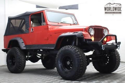 1982 Jeep CJ8 Scrambler V8 na prodej