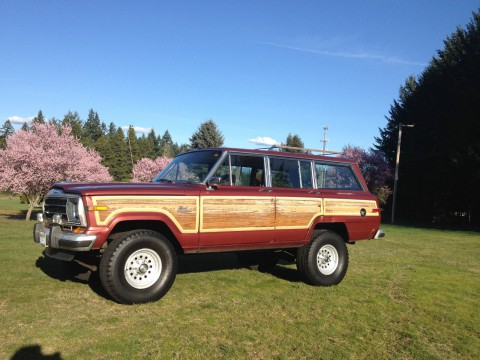 1986 Jeep Grand Wagoneer 4×4 na prodej