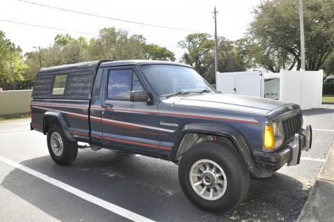 1989 Jeep Comanche Pioneer Pickup  4.0L na prodej