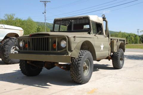 1967 Jeep Kaiser 715 new engine 327 na prodej