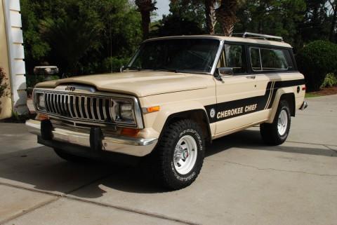 1983 Jeep Cherokee CHIEF na prodej