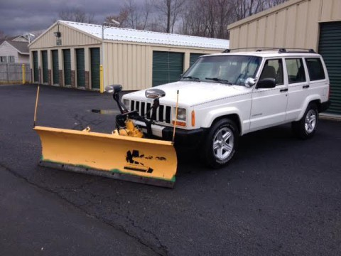 2000 Jeep Cherokee 4DR Sport 4WD  PLOW na prodej