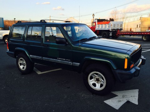2001 Jeep Cherokee Sport 4WD SUPER LOW LOW MILES ONLY 38K!!! na prodej