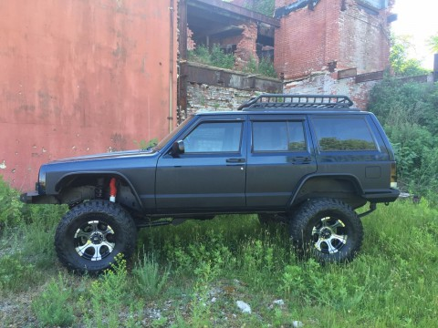 2001 Jeep Cherokee Freshed up and Lifted Trade In na prodej