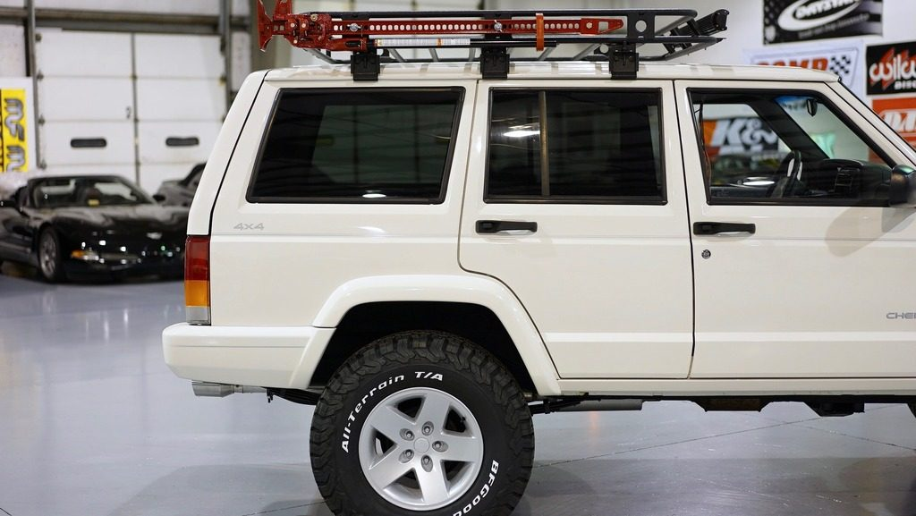 1999 Jeep Cherokee Xj Sport 4l Na Prodej