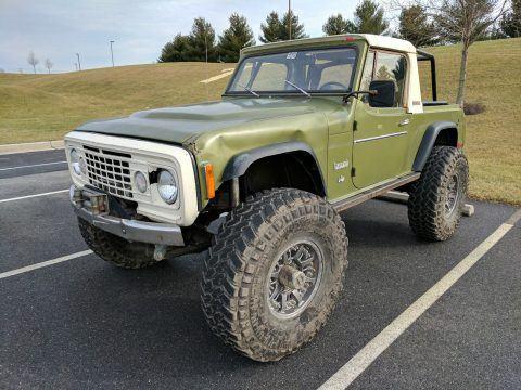 1972 Jeep Commando rock crawler – V8 na prodej