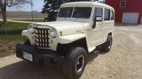 1951 Willys Wagon 5.3l engine na prodej