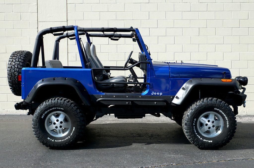 1995 Jeep Wrangler Rio Grande Sport Utility 2-Door na prodej