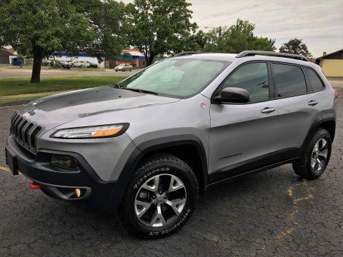 2015 Jeep Cherokee TRAIHAWK na prodej