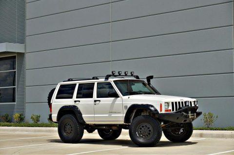 1999 Jeep Cherokee Sport 4×4 XJ! XRC Bumpers! 102k miles! na prodej