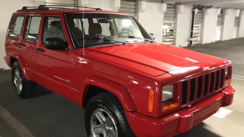 "2000 Jeep Cherokee Classic ""Flame Red"" na prodej"