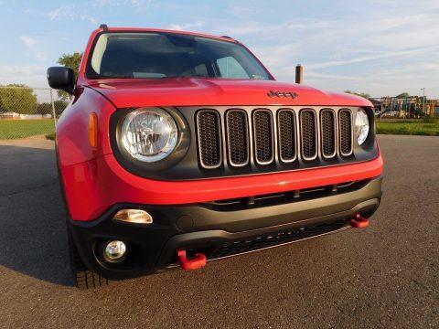 2017 Jeep Renegade TRAILHAWK na prodej