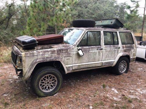 US $300.00!  1990 Jeep Cherokee na prodej