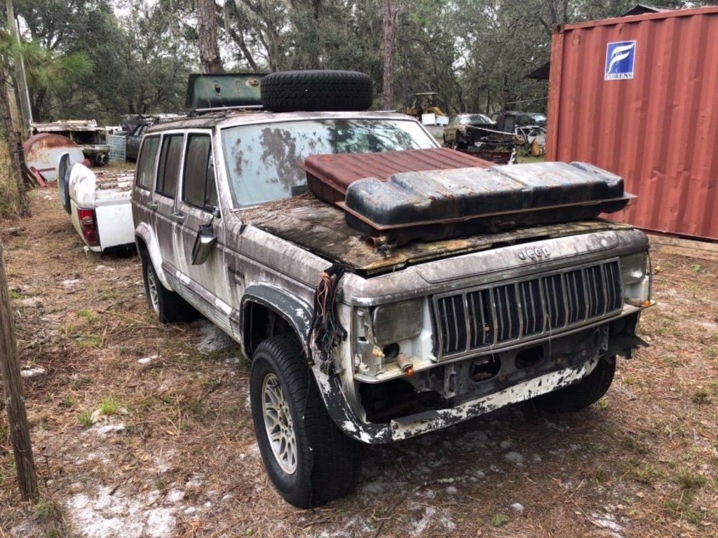 US $300.00!  1990 Jeep Cherokee