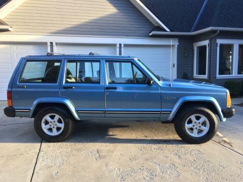 1989 Jeep Cherokee Pioneer na prodej