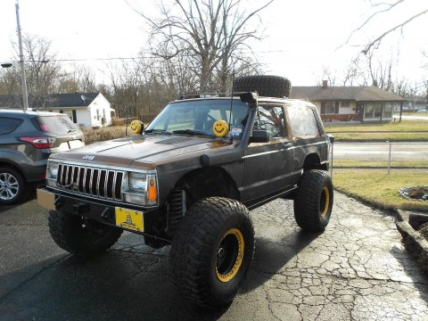 1987 Jeep Cherokee Built to Offroad na prodej