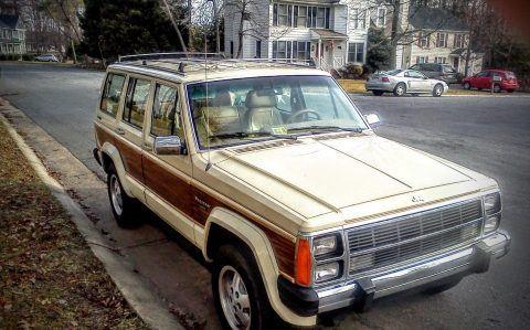 1987 Jeep Wagoneer LTD na prodej