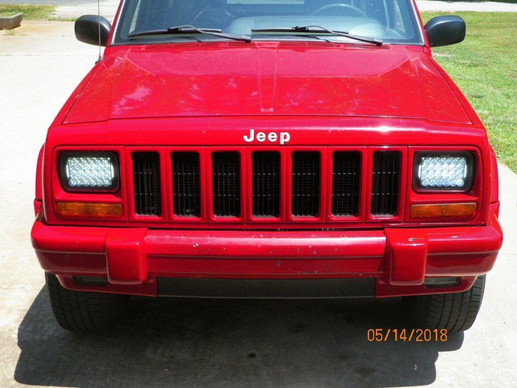 2000 Jeep Cherokee 4dr.