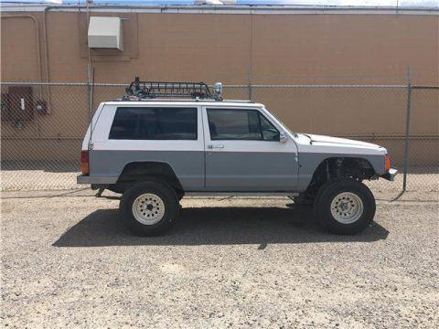 1992 Jeep Cherokee Laredo na prodej
