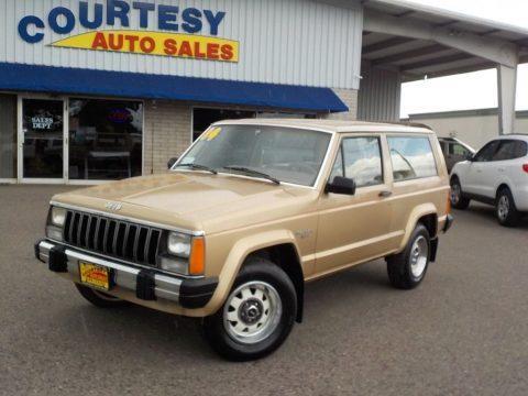 1984 Jeep Cherokee Pioneer 2Dr na prodej