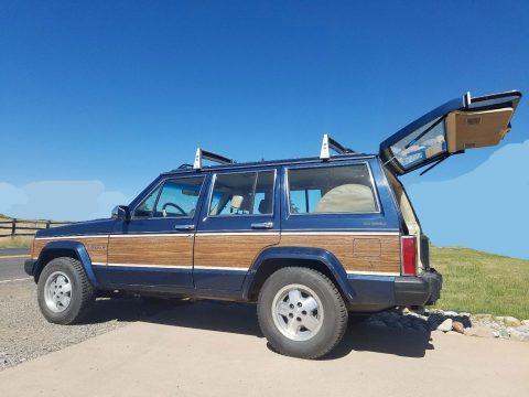 1989 Jeep Wagoneer XJ na prodej
