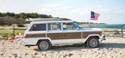 1991 Jeep Grand Wagoneer na prodej
