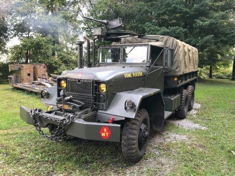 1965 Kaiser Jeep Corp. M54A2 6×6 cargo truck na prodej