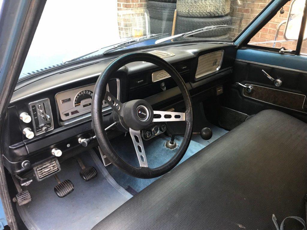 1972 J 4000 Jeep Pickup