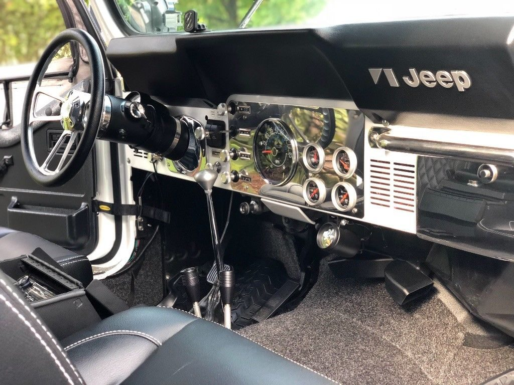 1984 Jeep CJ Scrambler CJ8 na prodej