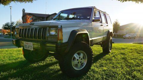 1990 Jeep Cherokee na prodej