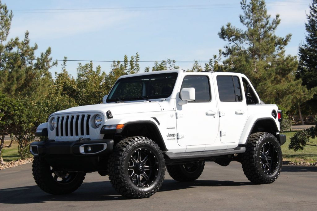 2018 Jeep Wrangler Sahara JL Unlimited Premium Lifted and Loaded