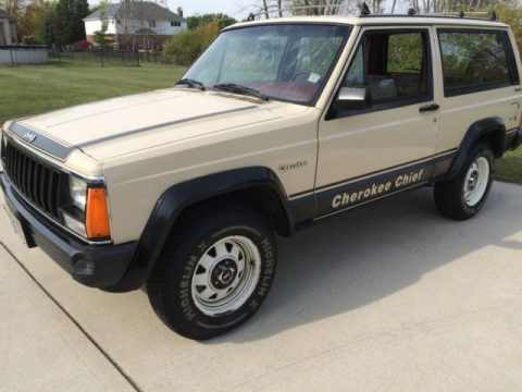 1984 Jeep Cherokee Cummins Diesel Chief na prodej