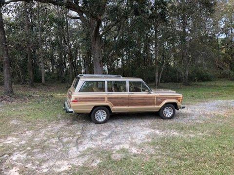 1984 Jeep Wagoneer WOODY na prodej
