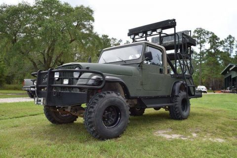 1983 Jeep Scrambler Base 2dr 4WD SUV na prodej