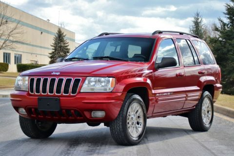 2002 Jeep Grand Cherokee 69K Miles 4.7L V8 4X4 Limited LEATHER!! na prodej