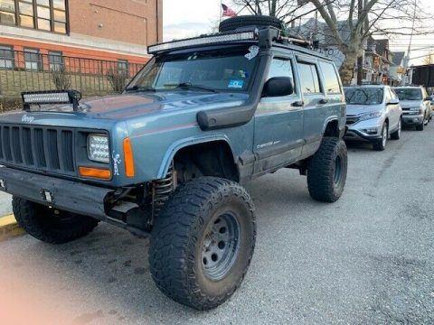 1999 Jeep Cherokee SPORT na prodej