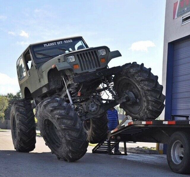 1989 Jeep Wrangler Sahara on 56″ tires