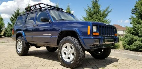 2001 Jeep Cherokee XJ! 4×4! Lifted! Limited Edition! na prodej