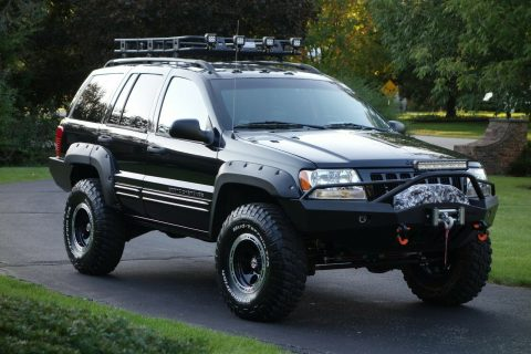 2004 Jeep Grand Cherokee Limited 4×4 No Expense Spared Professional Build! na prodej
