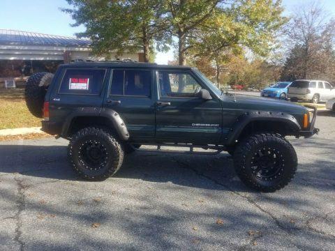 2000 Jeep Cherokee Custom na prodej