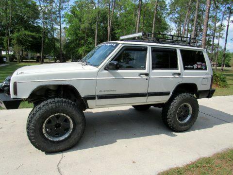 1998 Jeep Cherokee SPORT na prodej