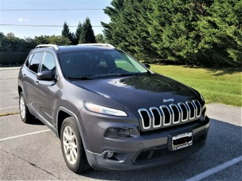 2015 Jeep Cherokee na prodej