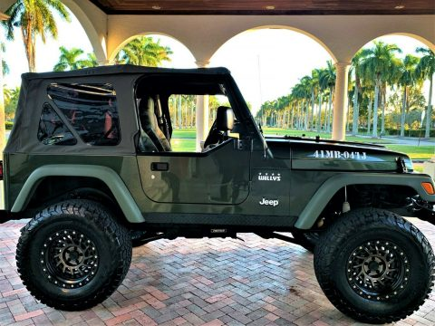 "2004 Jeep Wrangler Willys  18,000 Miles. ""mint""   Never LEFT FL, na prodej"